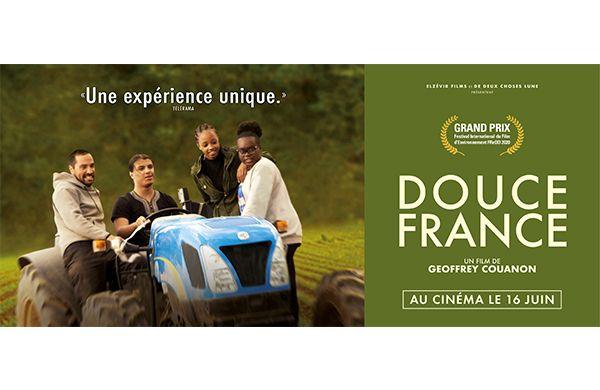 Réunion d'informations autour de la sortie du film Douce France